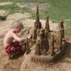 Дети и роль игры с песком для их развития