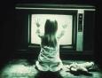 Телевизор может повлиять на умственное развитие ребёнка даже в качестве фона