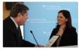 Ассамблея штата Нью-Йорк вручила информационной службе RTVi почетный диплом независимого СМИ