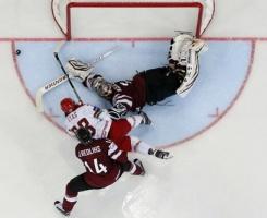 Сборная Белоруссии вышла в четвертьфинал домашнего ЧМ по хоккею