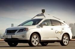 Автомобиль-беспилотник Google научился ездить в городе