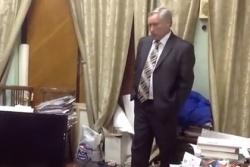 Собиравшего фаллоимитаторы депутата осудили за коррупцию