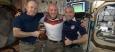 Астронавт из Германии Александер Герст обрил наголо коллег из США